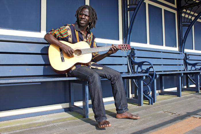 Abdoulaye Samb's Minnjiaraby