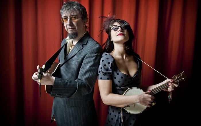 Veronica Sbergia & Max De Bernardi – The Red Wine Serenaders